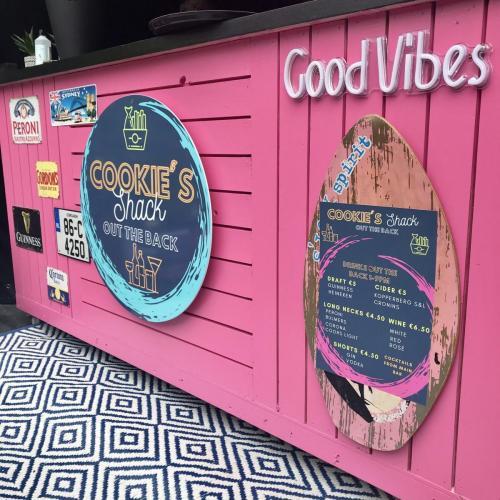 good vibes shack